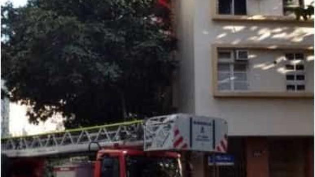 Incêndio atinge apartamento em área nobre do Rio