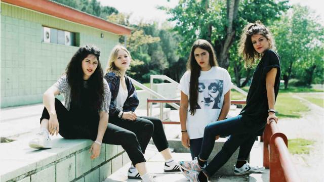 Quarteto espanhol de indie rock Hinds toca pela primeira vez no Brasil