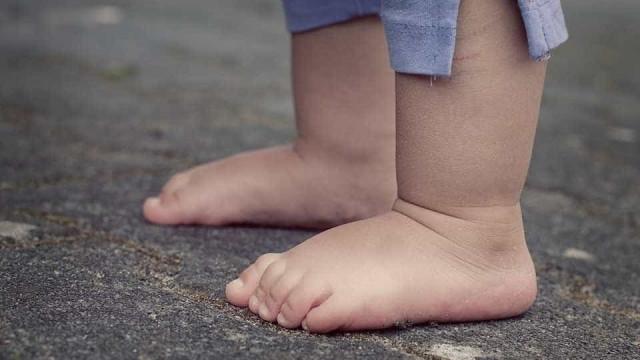 Mãe é presa por deixar filhos trancados em casa por mais de 24h