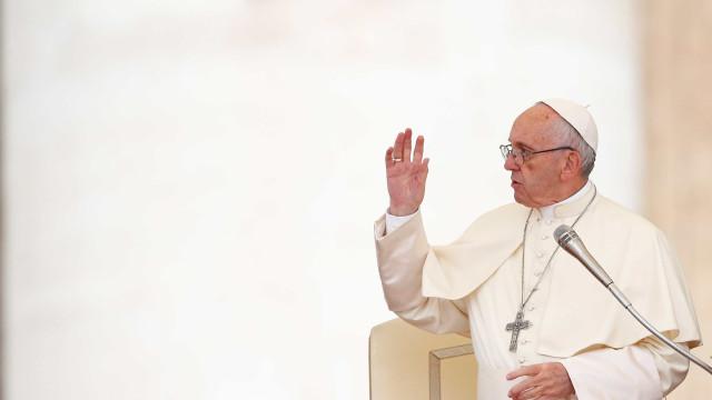 """Papa pede união ao clero no Brasil diante de """"escandalosa corrupção"""""""