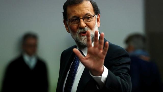 Espanha afasta do poder todo o governo catalão
