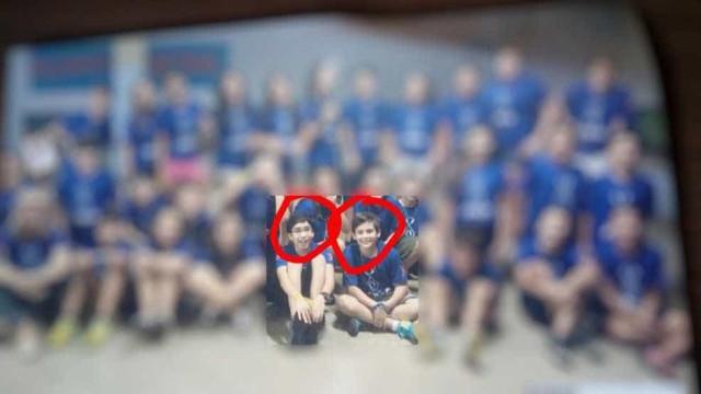 Meninos assassinados por colega de escola são sepultados