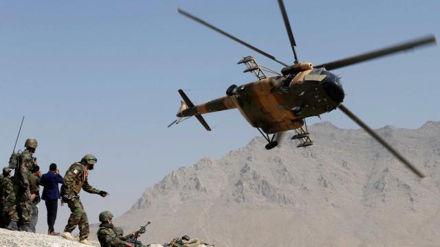 Ataque perto de academia militar mata 14 no Afeganistão