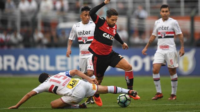 São Paulo vence o Flamengo por 2 a 0 no Pacaembu