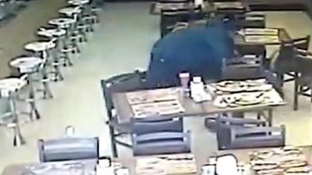 Policial a paisana é baleado e tem arma roubada em SP