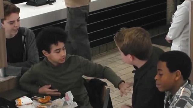 Burger King faz campanha ousada contra bullying; vídeo