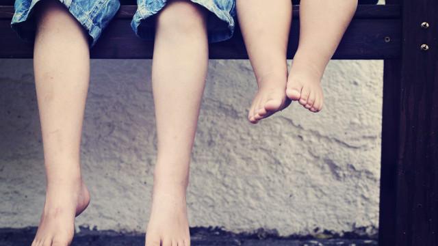Duas crianças são baleadas durante operação da PM na Baixada Fluminense