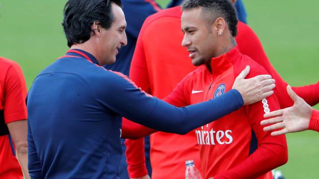 Emery rompe com brasileiros do PSG, mas Neymar evita agravar atrito