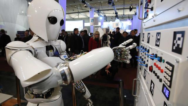 Especialistas questionam quem será responsável por ações de robôs