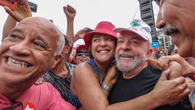 Empatado com Bolsonaro no Rio, Lula parte em caravana pelo Estado