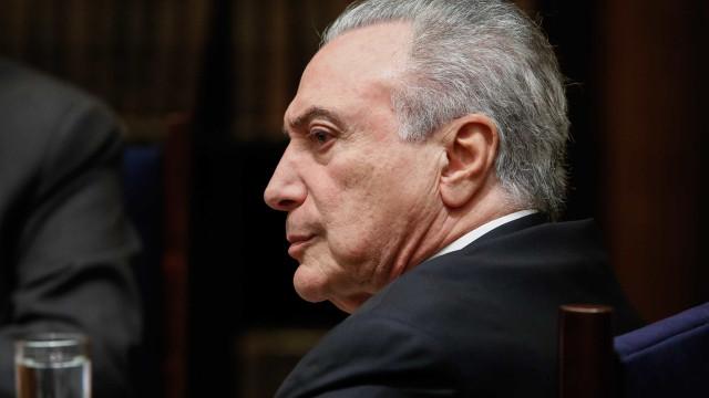 Temer recebe alta de hospital e segue para Brasília
