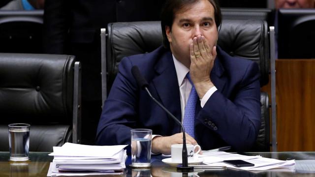 Maia diz que candidatura de Temer é problema do Planalto