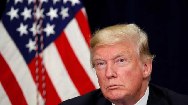 Trump diz que EUA vão sair do acordo sobre armas nucleares com a Rússia