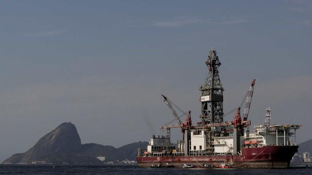Leilões de óleo e gás devem ser mantidos