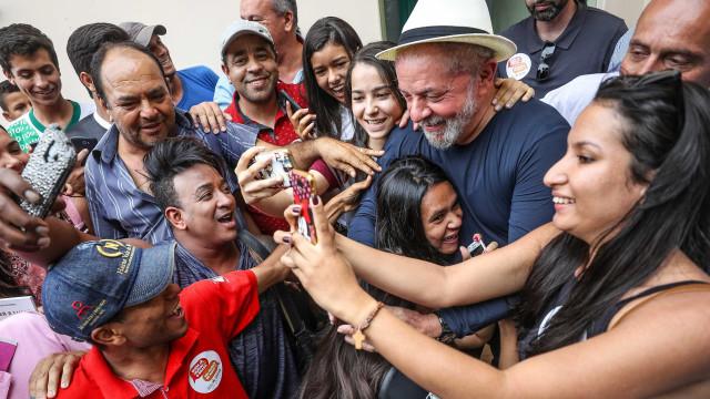 No dia do seu aniversário, Lula encontra o filho de seu vice em MG
