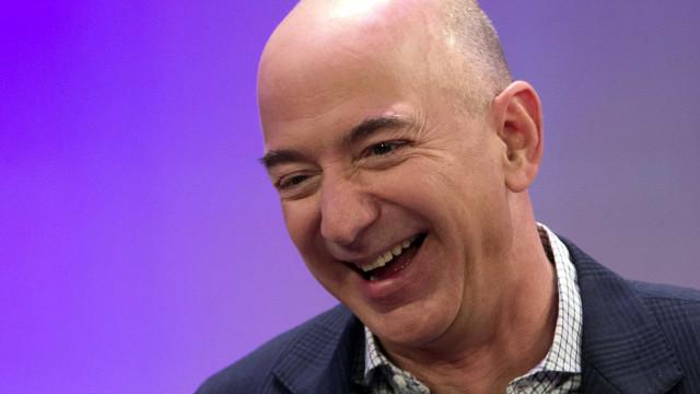 Fortuna de dono da Amazon chega a US$ 100 bilhões, diz agência