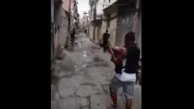 Criminosos filmam invasão a favela no Rio: 'Acabou o esculacho'; vídeo
