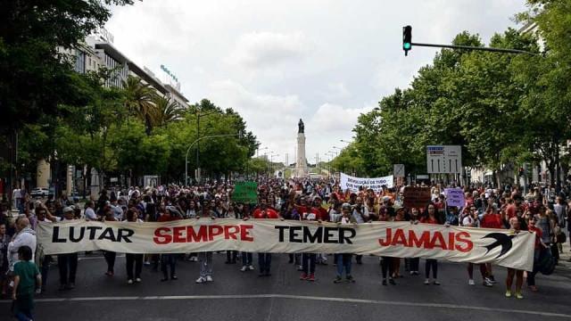 No exterior, brasileiros criam grupo para fortalecer democracia do país