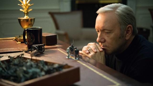 Netflix anuncia fim de 'House of Cards' após denúncia contra Spacey