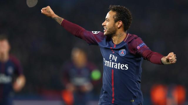 Neymar volta a Paris após viagem 'misteriosa' ao Brasil