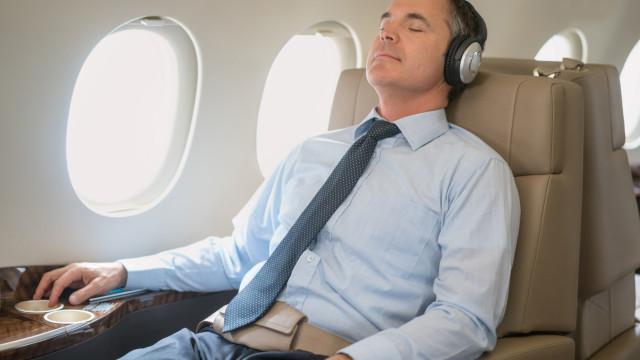 Aéreas ensaiam retorno da 'classe média': entre econômica e executiva