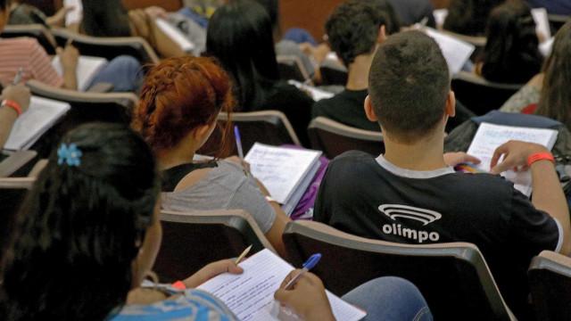 Encceja é realizado este domingo em todo o Brasil
