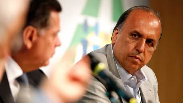Parte dos servidores públicos do Rio receberá 13º na sexta-feira