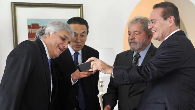 Defesa de Lula diz que Delcídio mentiu e pede anulação de delação