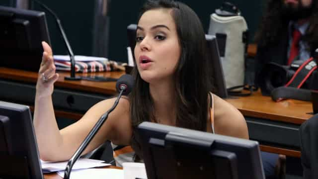 PGR denuncia deputada Shéridan por suposta compra de votos