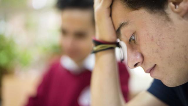 Estresse pode causar acne? Entenda