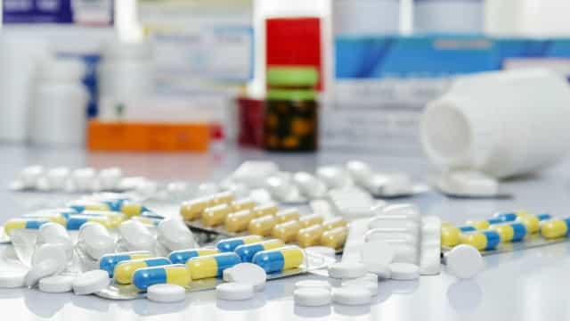 Brasil monitora danos causados por medicamentos