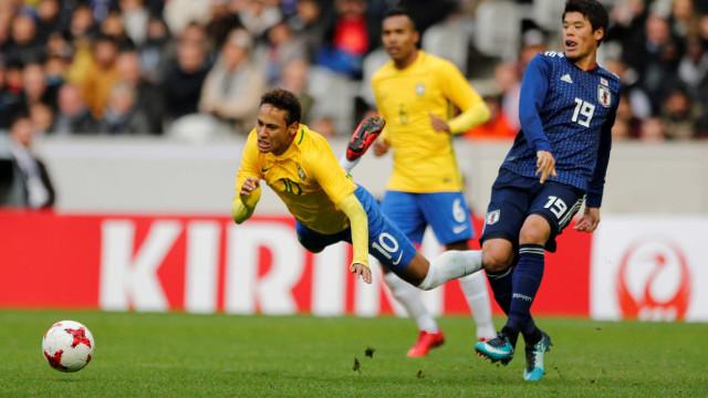 Neymar chora com elogio e desmente boatos: 'Não tenho problema no PSG'