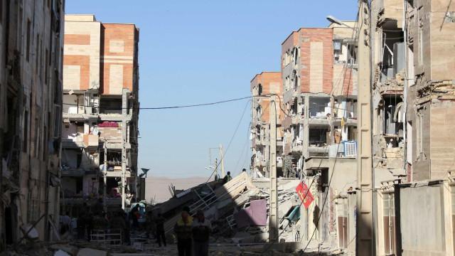 Vídeo mostra cenário de destruição após terremoto no Irã