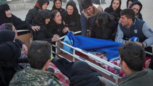 Mortos por tremor no Irã superam 450