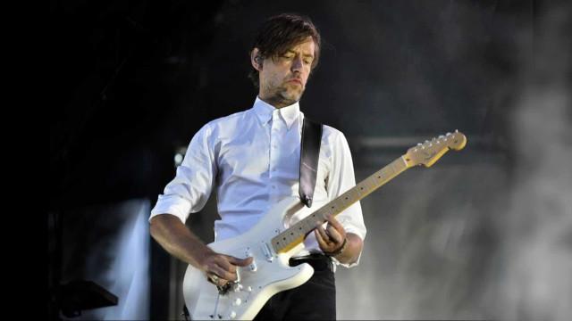 Músico da Radiohead grava álbum solo inspirado no carnaval do Brasil