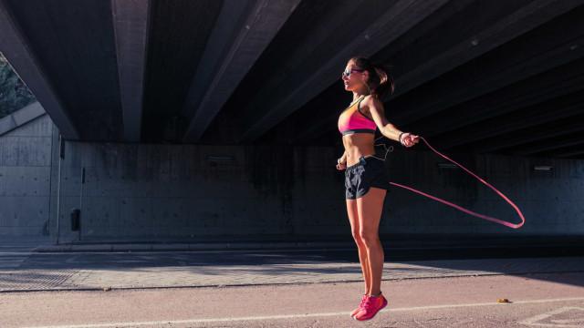 Dois exercícios que te deixam em forma por mais tempo