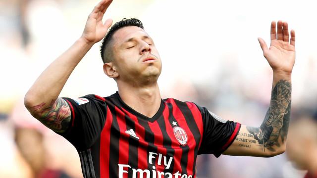 Jogador troca Peru por Itália e fica fora da Copa