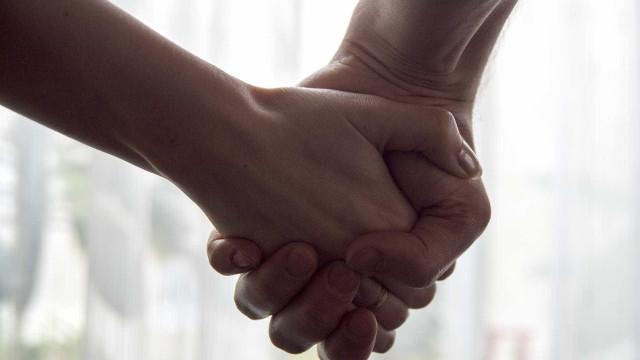 'Jamais a terei de volta', diz mãe de jovem morta por 'padrinhos'
