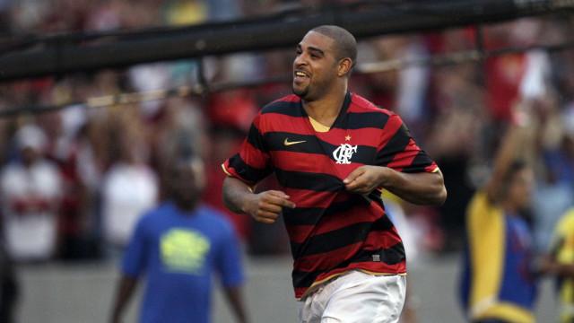 Adriano diz que não se aposentou e cogita retorno em time brasileiro