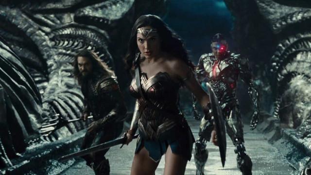 'Liga da Justiça' estreia arrecadando menos que 'Mulher-Maravilha'