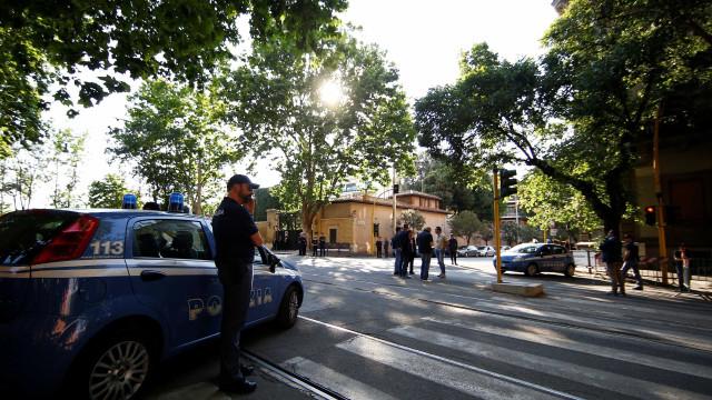 Corpo de brasileira é achado nu no centro de Roma