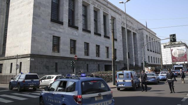 Polícia encontra bomba próximo a tribunal de Milão