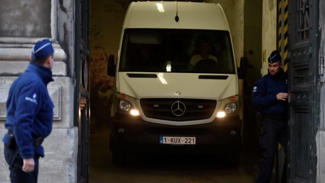 Ministério Público da Bélgica pede extradição de Puigdemont