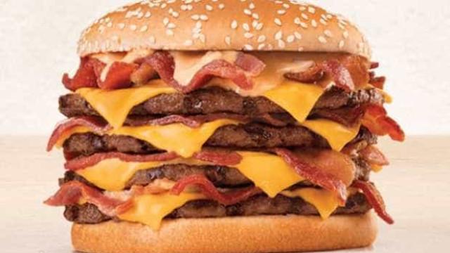 Calorias de novo lanche do Burger King equivalem a 20 ovos fritos