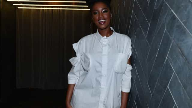 Cantora IZA relembra passado: 'Era a única negra da escola'