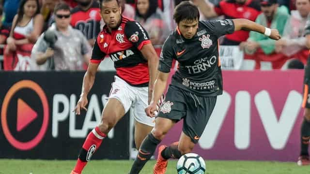 Flamengo vence o Corinthians por 3 a 0, com briga feia entre jogadores