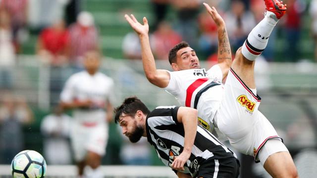 Ufa! São Paulo se livra do rebaixamento e segue na Série A em 2018