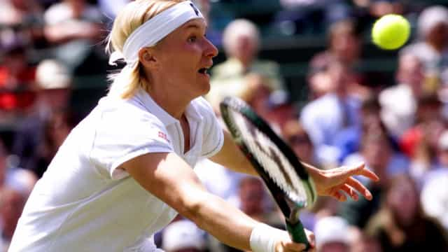 Ex-tenista vencedora de Wimbledon morre aos 49 anos de câncer
