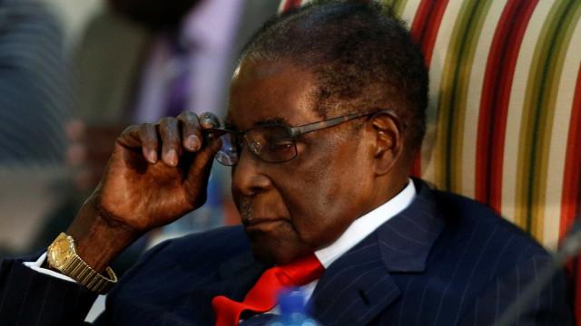 Imprensa diz que Mugabe já elaborou sua carta de renúncia