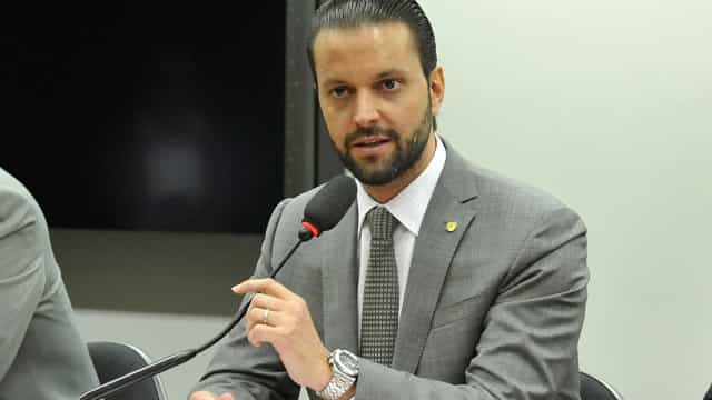 Parlamentares do PMDB exigem 4 secretarias do ministério das Cidades